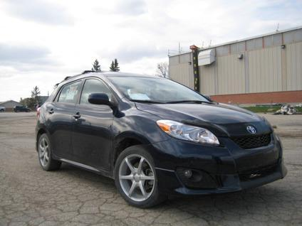 15 450 obo 2010 toyota matrix xr for sale for sale in winnipeg manitoba all cars in. Black Bedroom Furniture Sets. Home Design Ideas