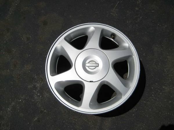 15 and 16 inch nissan alloy rims for sale 160 for sale in markham ontario all cars in. Black Bedroom Furniture Sets. Home Design Ideas