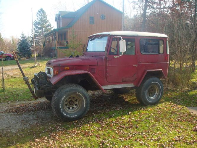 1974 Toyota Land Cruiser removeable hard top SUV