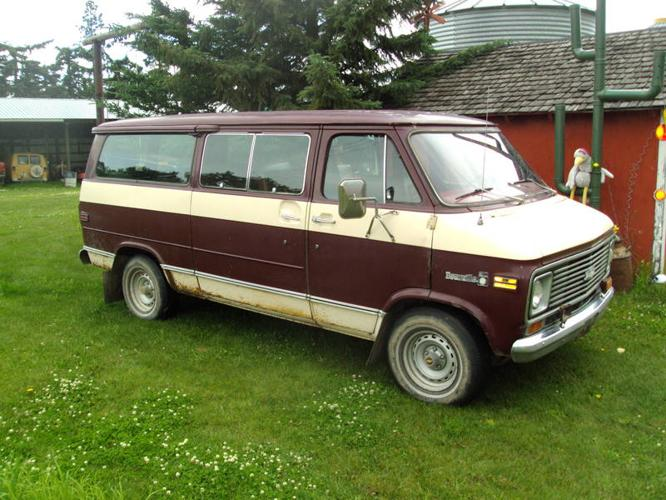 1977 Chevrolet G20 Van beauville Minivan for sale in Wembley