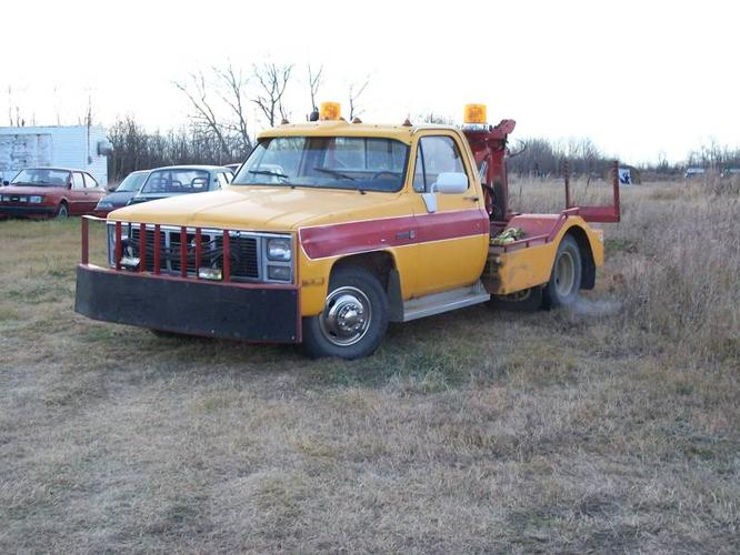 1981 gmc sierra 3500 tow truck for sale in stettler alberta all cars in. Black Bedroom Furniture Sets. Home Design Ideas