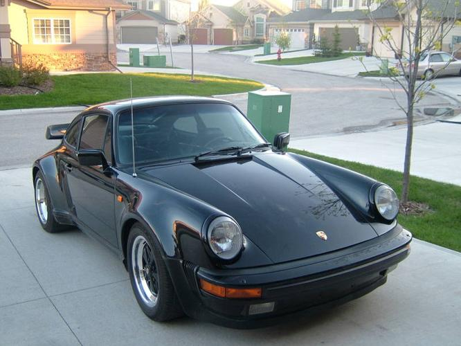 1984 Porsche 930 Turbo http://winnipeg.allcarsincanada.com/porsche/1984-porsche-930-911-turbo-coupe-black-in-black_142197.html