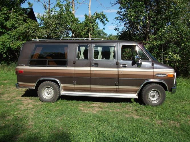 1986 Chevrolet G20 Van Minivan