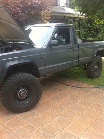 1986 Jeep Comanche lifted 4.5in auto - $4000