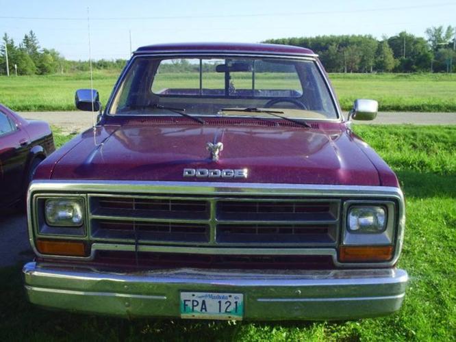 Dodge Power Ram Le Pickup Truck Obo on 1988 Dodge Dakota Le 4x4
