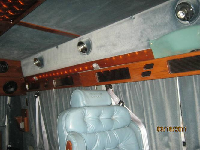 1992 Chevrolet G20 Conversion Van white for sale in Barrie