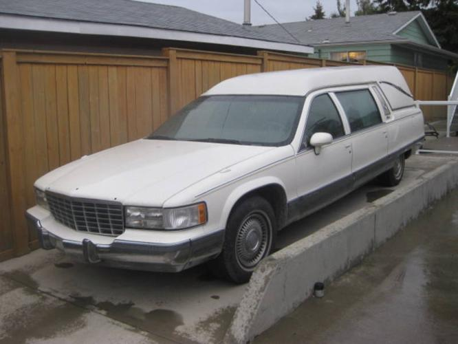 1994 Cadillac Fleetwood Brougham HEARSE sweet clean and big