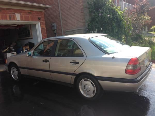 1994 Mercedes-Benz C-Class Seda - $1900