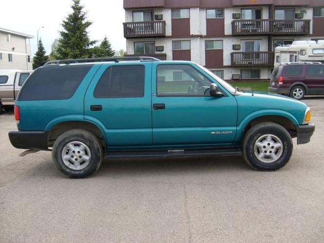 1995 chevrolet blazer suv for sale in saskatoon saskatchewan all cars in. Black Bedroom Furniture Sets. Home Design Ideas