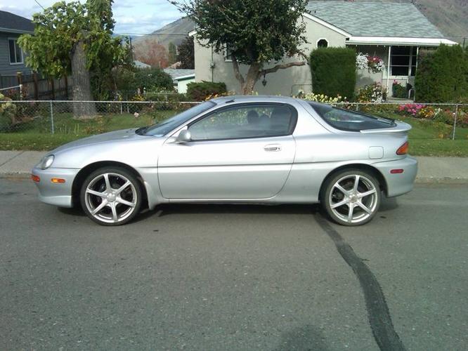 Mazda Precidia Autos Post