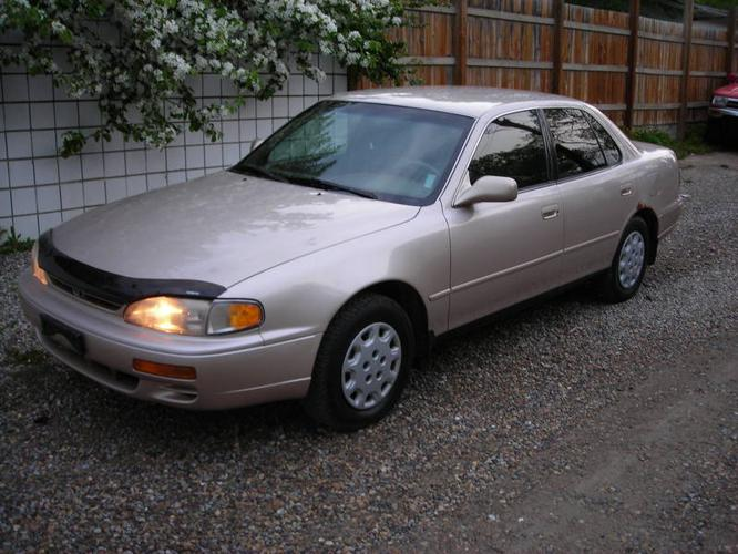 1996 toyota camry le sedan for sale in calgary alberta. Black Bedroom Furniture Sets. Home Design Ideas