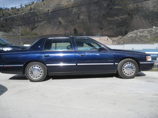1997 Cadillac DeVille & DTS Sedan