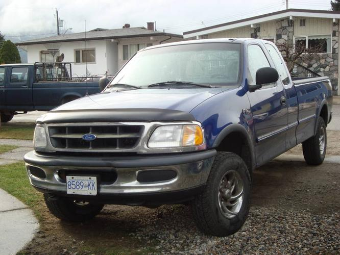 1997 ford f 150 xl pickup truck for sale in revelstoke british columbia all cars in. Black Bedroom Furniture Sets. Home Design Ideas