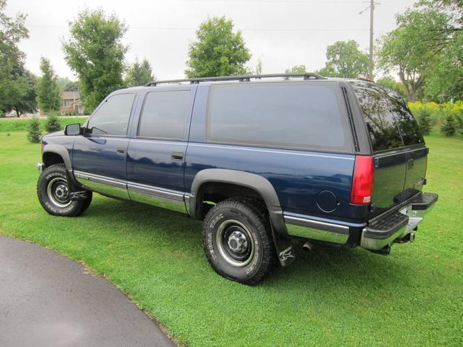 1999 chevrolet suburban k2500 4x4 for sale in paris ontario all cars in. Black Bedroom Furniture Sets. Home Design Ideas