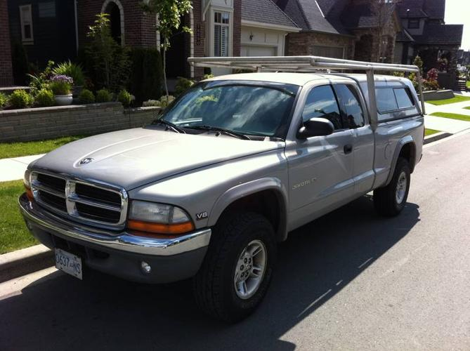 1999 Dodge Dakota SLT Pickup Truck