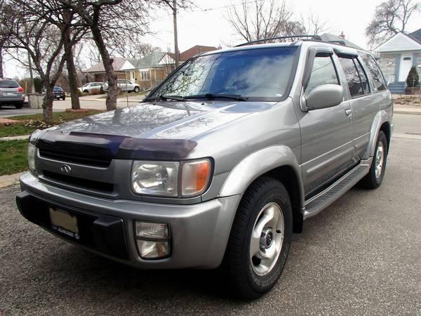 1999 Infiniti QX4 SUV - $2000