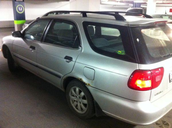 1999 Suzuki esteem wagon - $699