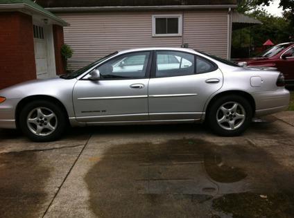 $1,100 2002 Pontiac Grande Prix SE -