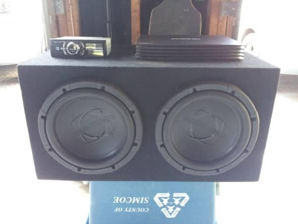 2-12 Subs in Custom box, 1000 watt amp, alpine deck, and speakers! - $1000