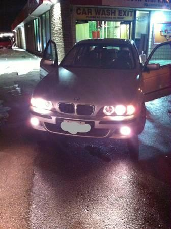 2000 BMW 5-Series 540i Sedan with M5 Front End/Bumper is Cracked - $2500