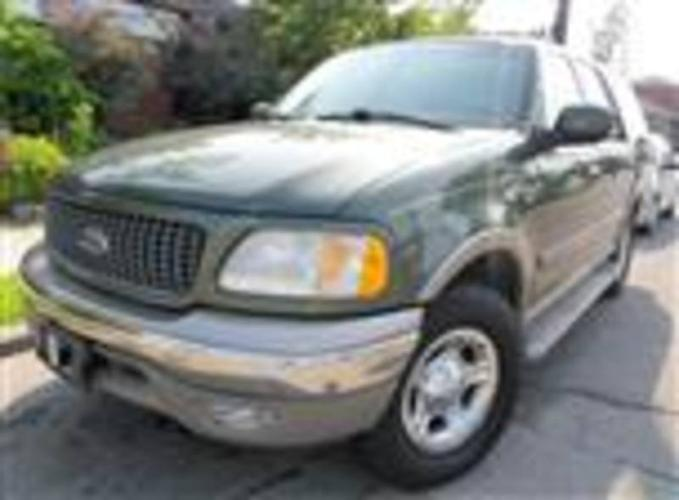 2000 FORD EXPEDITION SUV ~ 187,999 km ~ $ 5,495.00 + HST