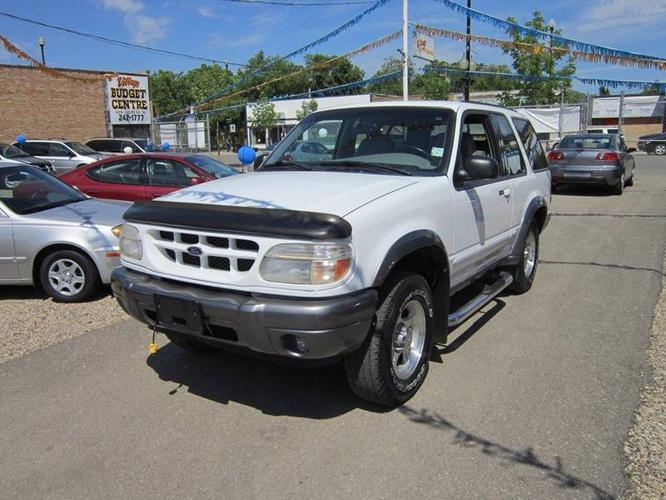 2000 ford explorer suv only 4 995 for sale in saskatoon saskatchewan all cars in. Black Bedroom Furniture Sets. Home Design Ideas