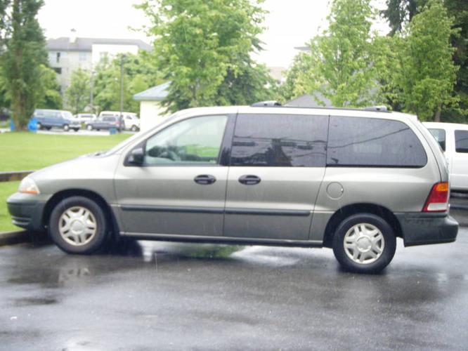 2000 Ford Windstar LX Minivan