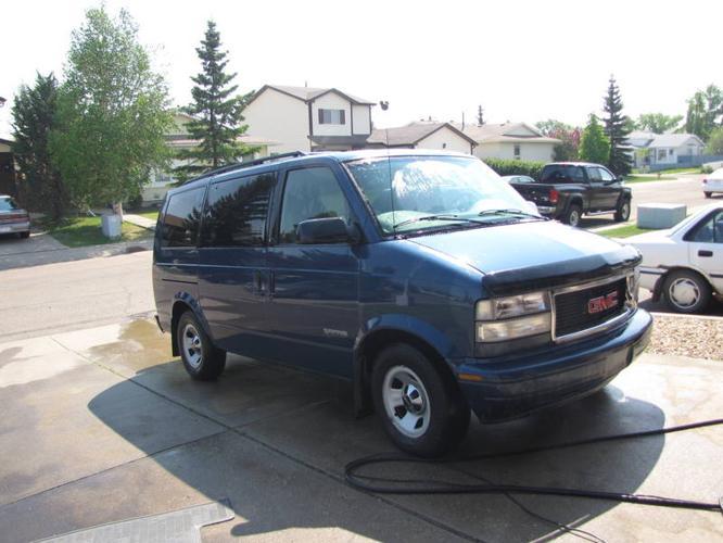 2000 GMC Safari Minivan