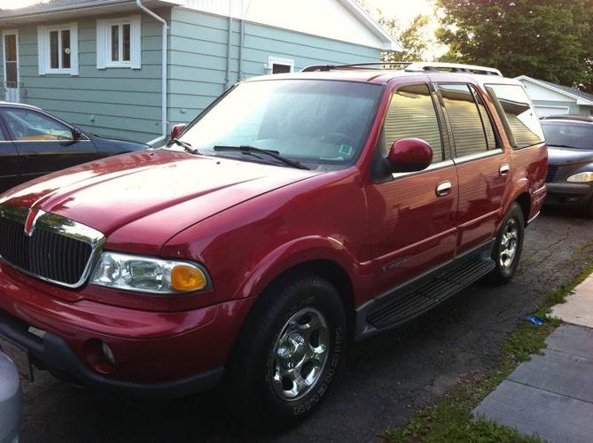 2000 Lincoln Navigator SUV