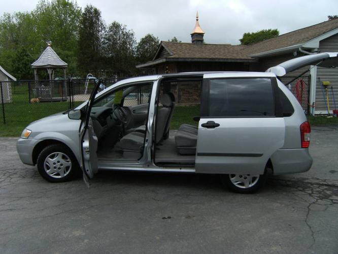 2000 mazda mpv minivan for sale in middle sackville nova. Black Bedroom Furniture Sets. Home Design Ideas