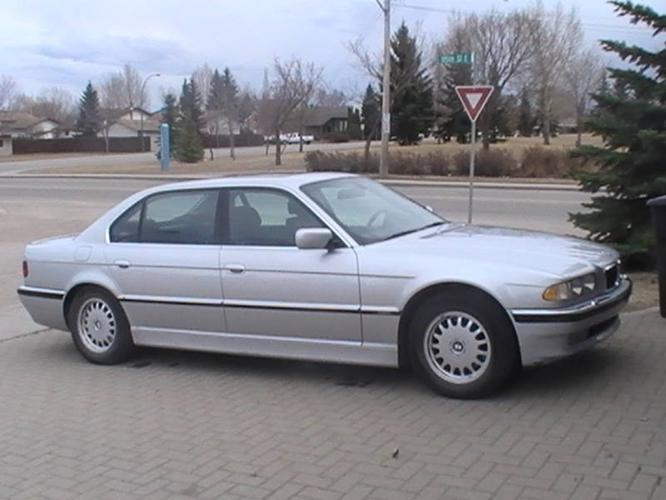 2001 bmw 740il beautiful german sport sedan only. Black Bedroom Furniture Sets. Home Design Ideas