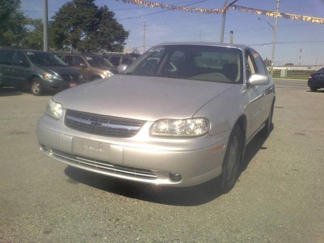 2001 chevrolet malibu ls for sale in london ontario all. Black Bedroom Furniture Sets. Home Design Ideas