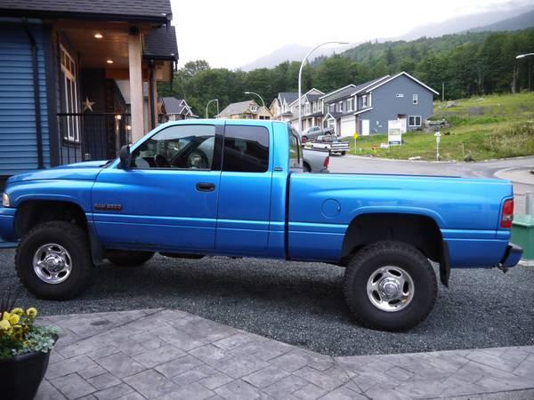 2001 Dodge Diesel Sport 4x4!!! - $15500