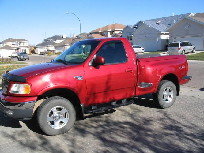 2001 ford f 150 stepside shortbox 4x4 pickup truck for sale in saskatoon saskatchewan all. Black Bedroom Furniture Sets. Home Design Ideas