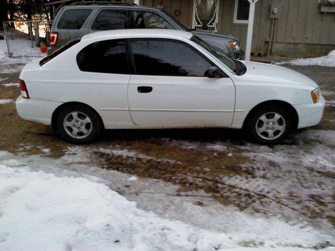 2001 Hyundai Accent Hatchback * Low KMS