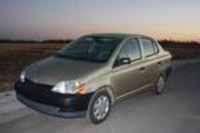 2001 toyota echo sedan for sale in winnipeg manitoba all cars in. Black Bedroom Furniture Sets. Home Design Ideas
