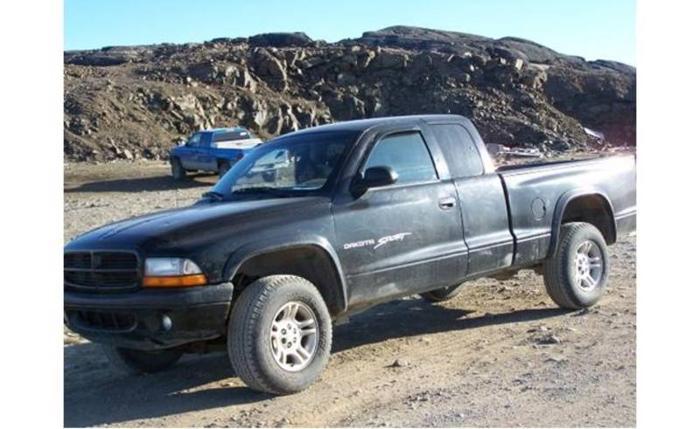 2002 Dodge Dakota Sport 4x4 Pickup Truck