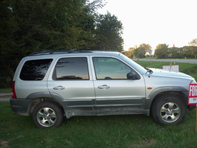 2002 Mazda Tribute dark grey Hatchback