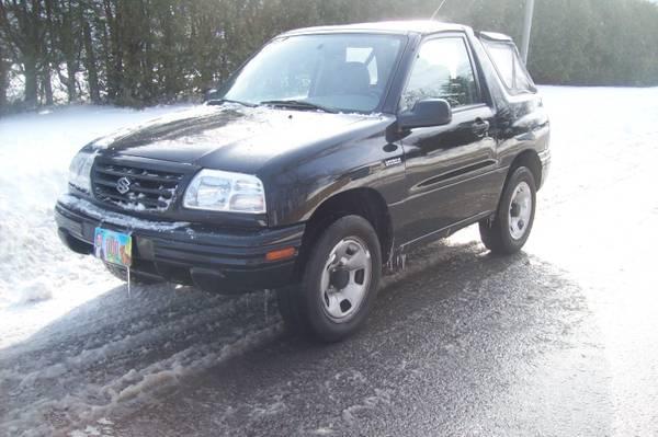 2002 Suzuki Vitara convertible 4x4 mint - $2100