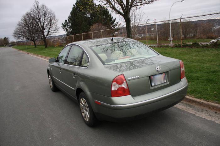 2002 Volkswagen Passat GLS 1.8T Sedan