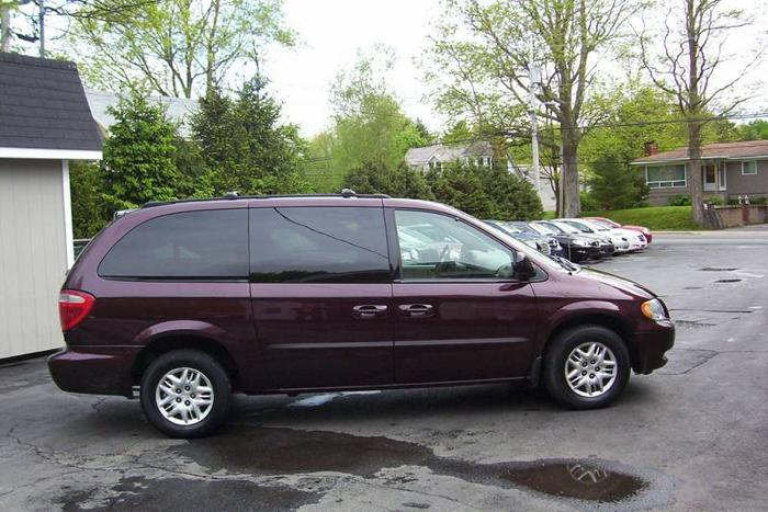 2003 Dodge Grand Caravan Sport Minivan