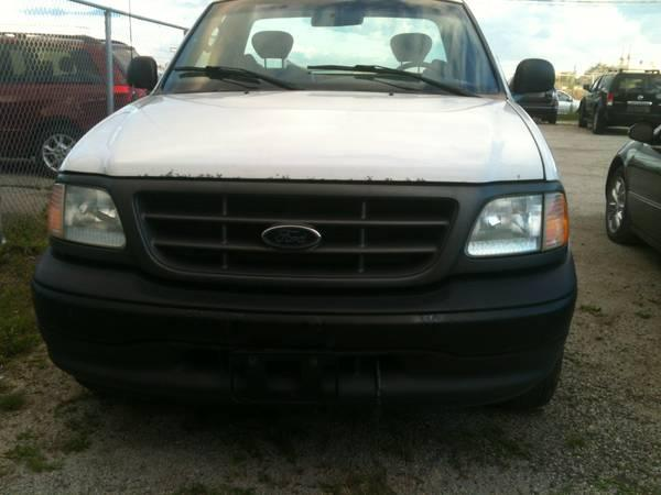 2003 Ford F-150 XL Pickup Truck - $3898