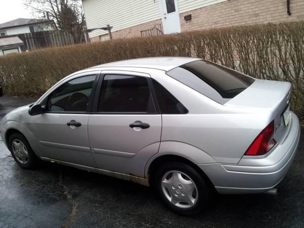 2003 Ford Focus SE - $2000