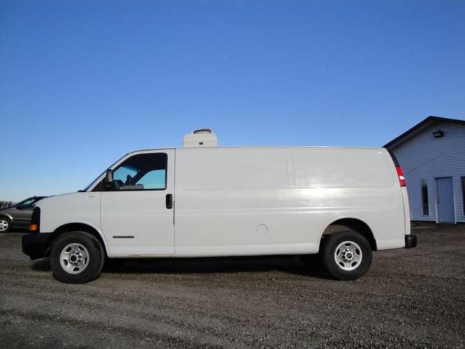 2003 GMC cargo van