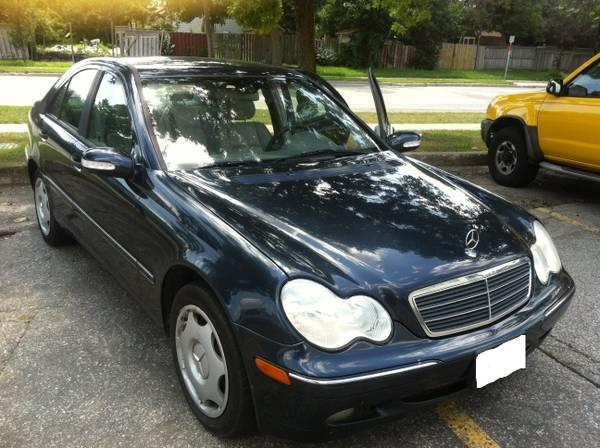 2003 Mercedes-Benz C240 sedan, Leather, MUST BE SEEN - $6199