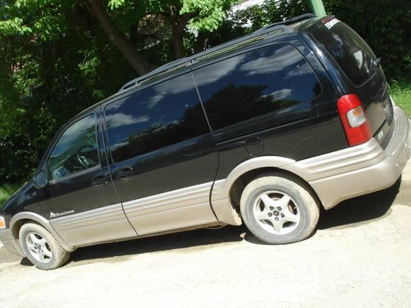 2003 PONTIAC MONTANA FITS 8 PEOPLE WITH SPACE IN BACK - $2999