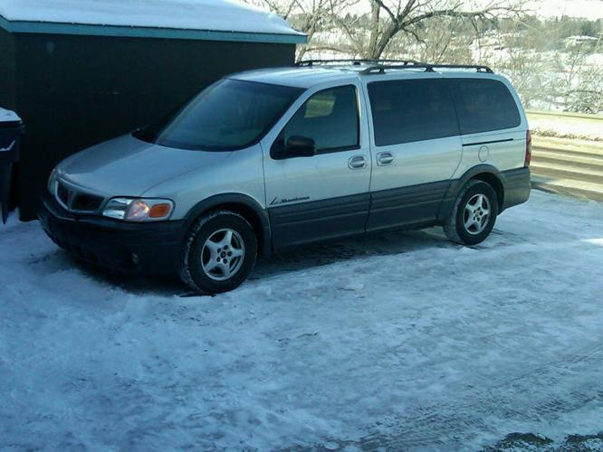 2003 Pontiac Montana Minivan REDUCED TO $4700