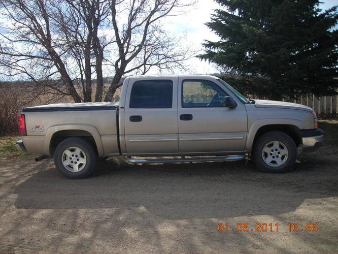 2004 chevrolet silverado 1500 lt pickup truck for sale in saskatoon saskatchewan all cars in. Black Bedroom Furniture Sets. Home Design Ideas
