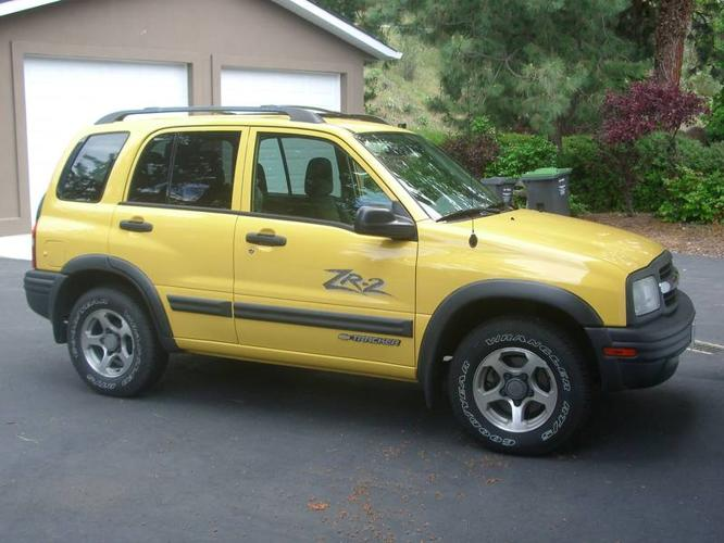 2004 chevrolet tracker zr2 suv for sale in kelowna british columbia all cars in. Black Bedroom Furniture Sets. Home Design Ideas