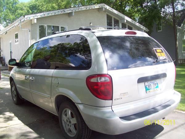 2004 dodge caravan - $4000